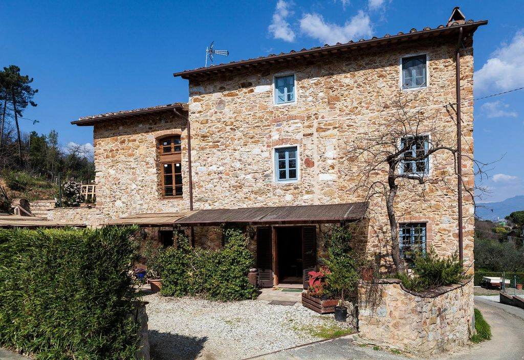 Restored stone house with Pool near Lucca