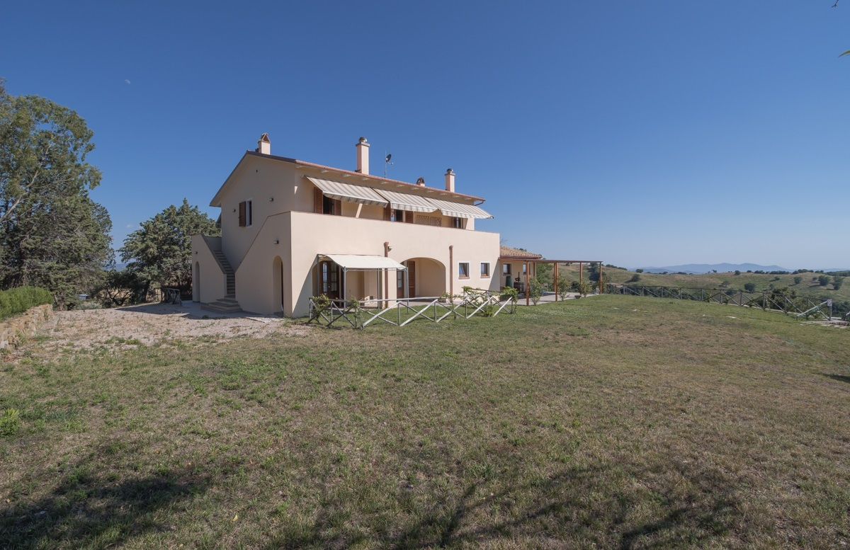 Tuscan farmhouse near Grosseto