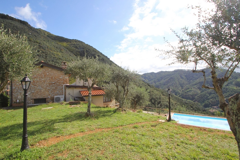 Farmhouse with guesthouse in Buchignano