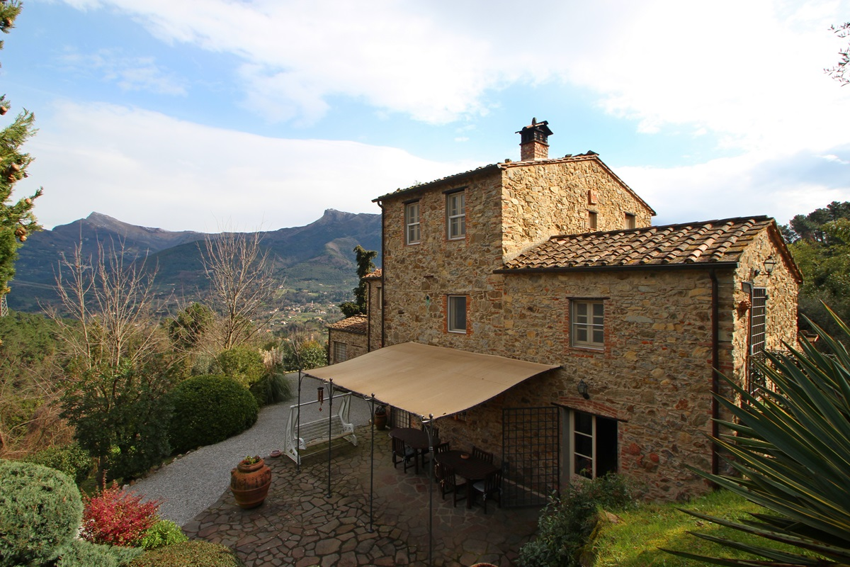Restored Farmhouse in Versilia - Tuscany