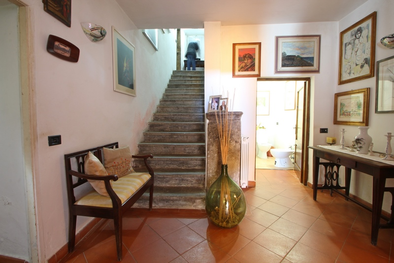 Large country house in Lunigiana